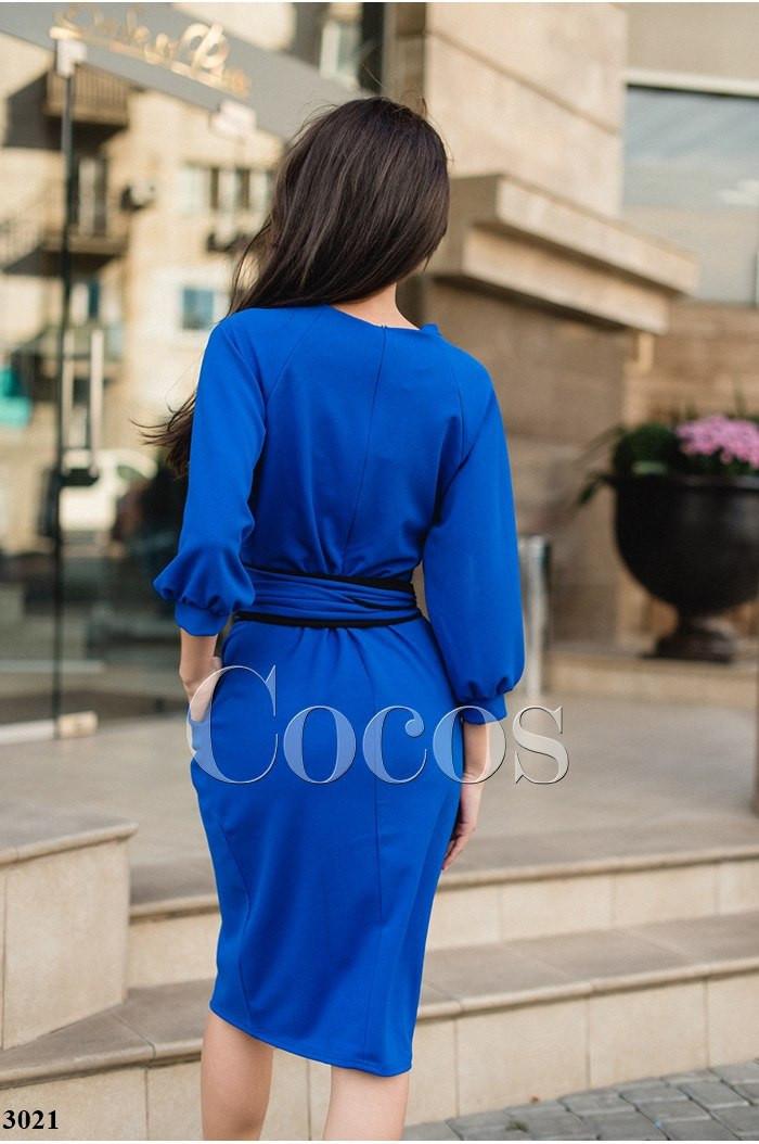 Платье с двухсторонним поясом