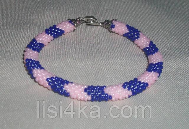 Узорный браслет-жгут из чешского бисера в ярких сине-розовых тонах узорный