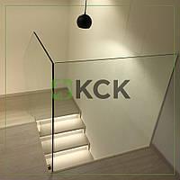 Стеклянное ограждение лестницы в частный дом