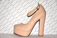 Туфли  с застёжкой на высоком устойчивом каблуке бежевые