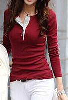 Красивый темно-красный джемпер с длинным рукавом