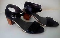 Босоножки на низком каблуке (арт.403)