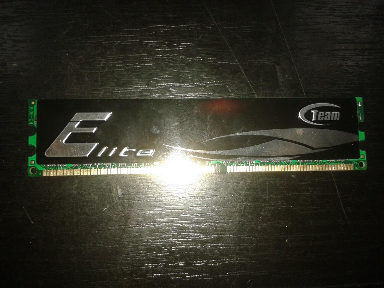 Модуль памяти DDR 1GB Team, TEDR1024M400C3/HC3, PC3200, 400MHz, CL3, для ПК