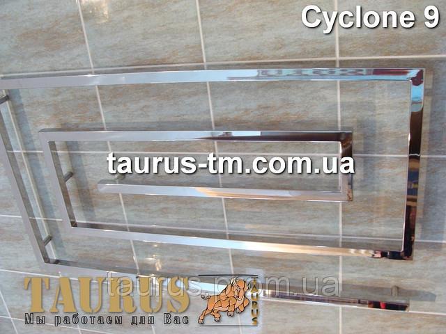 Уникальный нержавеющий полотенцесушитель Cyclone 9/ 670х1200 для большой современной ванной комнаты