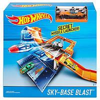 Игровой набор Воздушная база Hot Wheels X9295