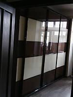 Шкаф купе с профилем венге и крашеным стеклом