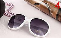 Женские солнцезащитные очки белого цвета Grand