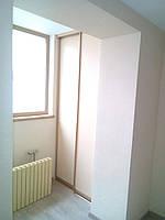 Шкаф купе на балкон на 2 двери