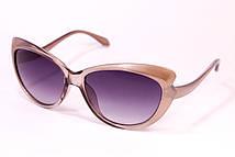 Солнцезащитные очки в пластиковай оправе