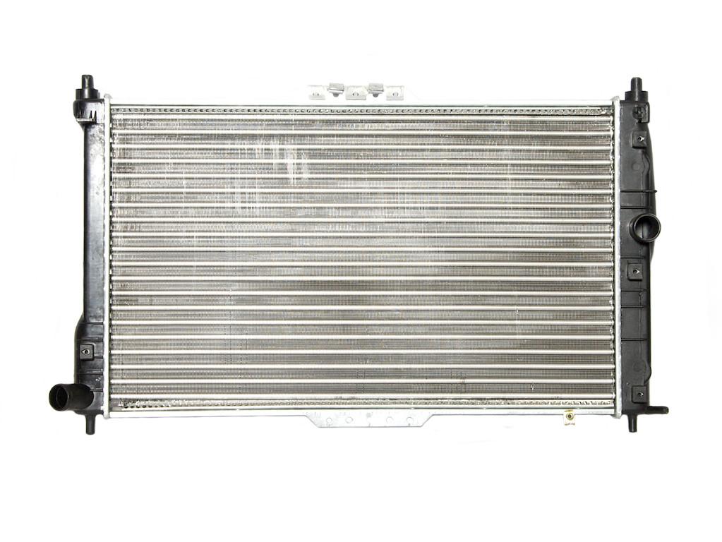 Радиатор охлаждения Daewoo Lanos (1.3-1.6 механика АС+) 635*382мм круглые соты KEMP
