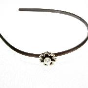Обруч для волос пластиковый прорезиненный с камушками, ширина обруча: 7 мм, длина украшения: 2.5 см, 1 штука