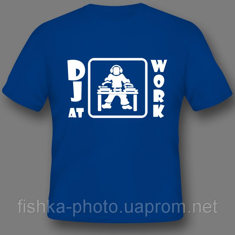 печать на цветных футболках технология