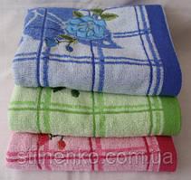 Недорогое махровое полотенце размер: 1,4 x 0,7