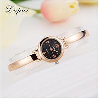 Женские часы на узком металлическом браслете