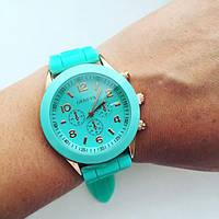 Женские модные часы на резиновом ремешке (расцветки), фото 1
