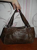Коричневая кожаная сумка Prada