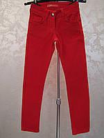 Коттоновые зауженные брюки на девочек 128,134,152 роста Красные