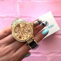 Женские оригинальные часы с красивым ремешком