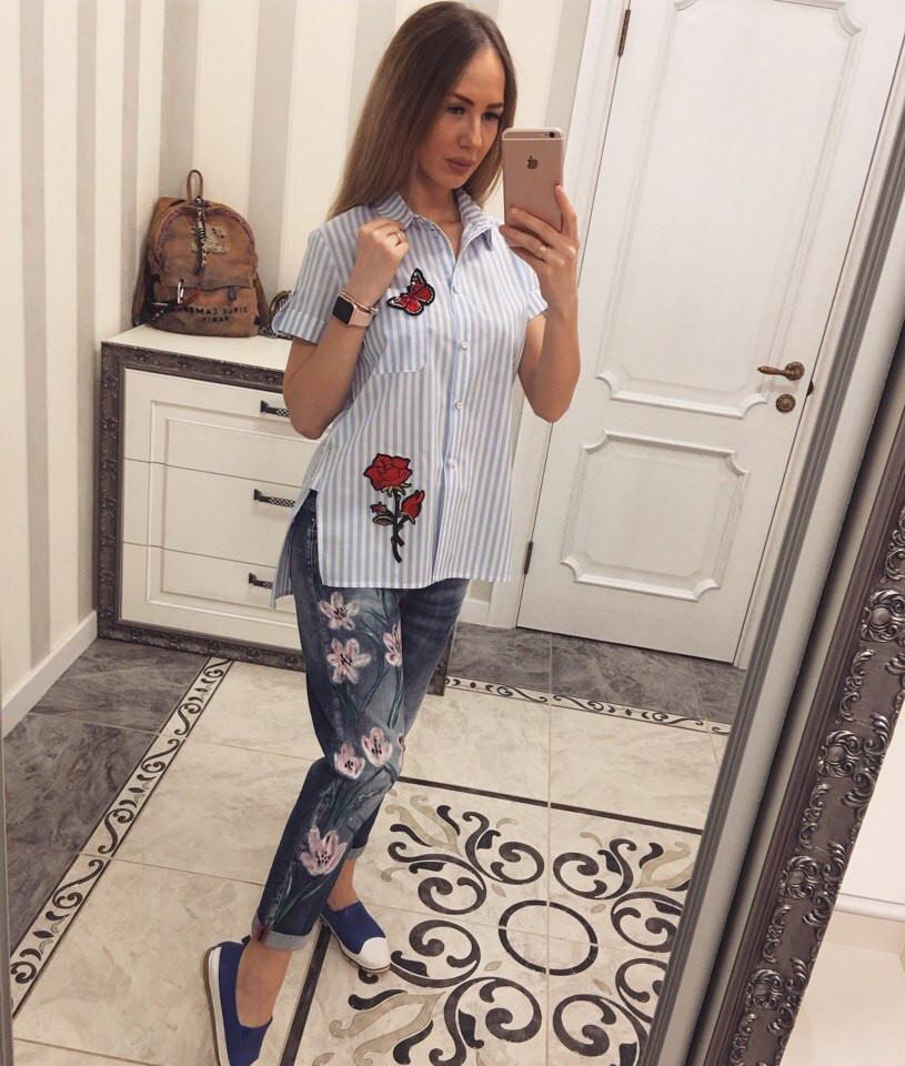 Легкая рубашка женская с вышивкой