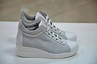 Женские итальянские замшевые белые туфли на платформе сникерсы Roberta Lopes