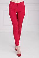 Стильные женские брюки со стрелками красного цвета