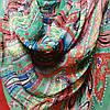Шарф шёлковый зелёного цвета с разноцветным узором , фото 2