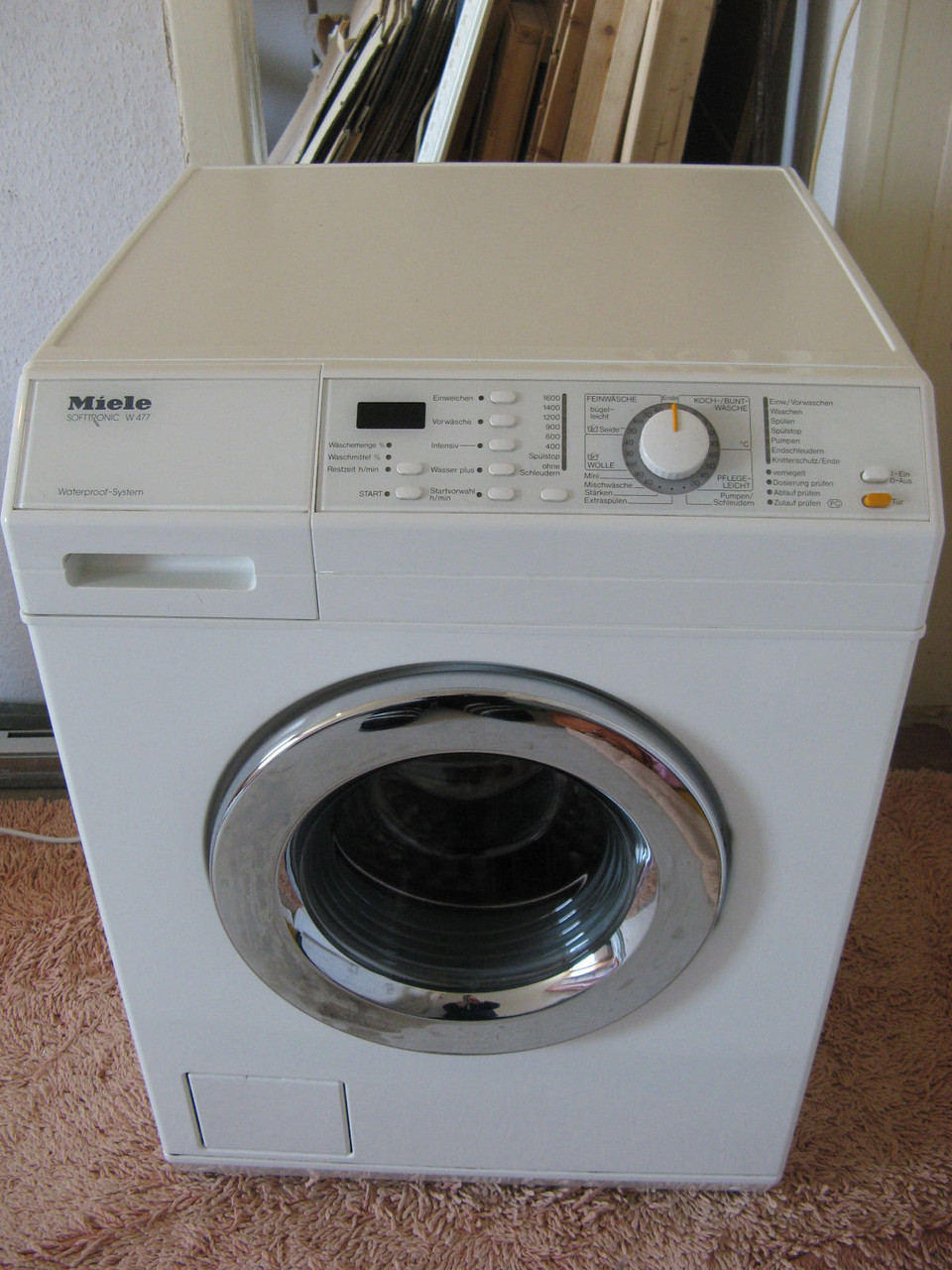 Стиральная машина Miele Softtronic W 477