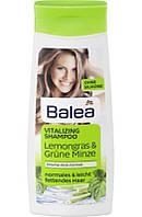 Шампунь для нормальных и жирных волос Balea Vitalizing Shampoo Lemongras & Grune Minze, 300 мл (Германия)