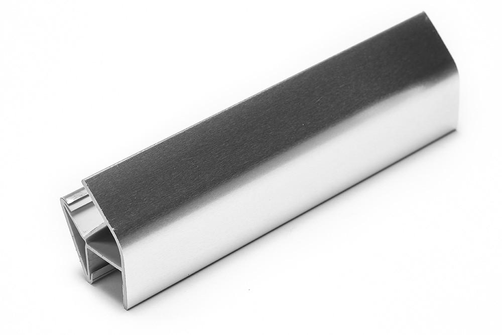 Соединитель угловой односторонний для цоколя 135 ° ПВХ H120 покрытие фольга глянец 8011