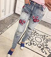 Красивые женские джинсы -вышивка