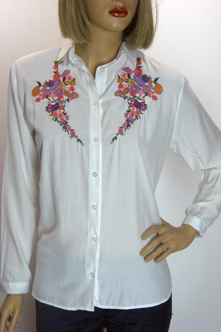Жіноча сорочка з вишивкою  Swanky