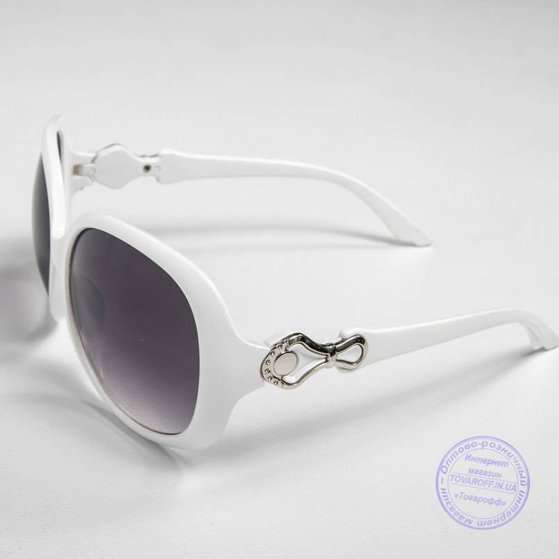Розпродаж жіночих сонячних окулярів оптом - Білі - 9972, фото 2