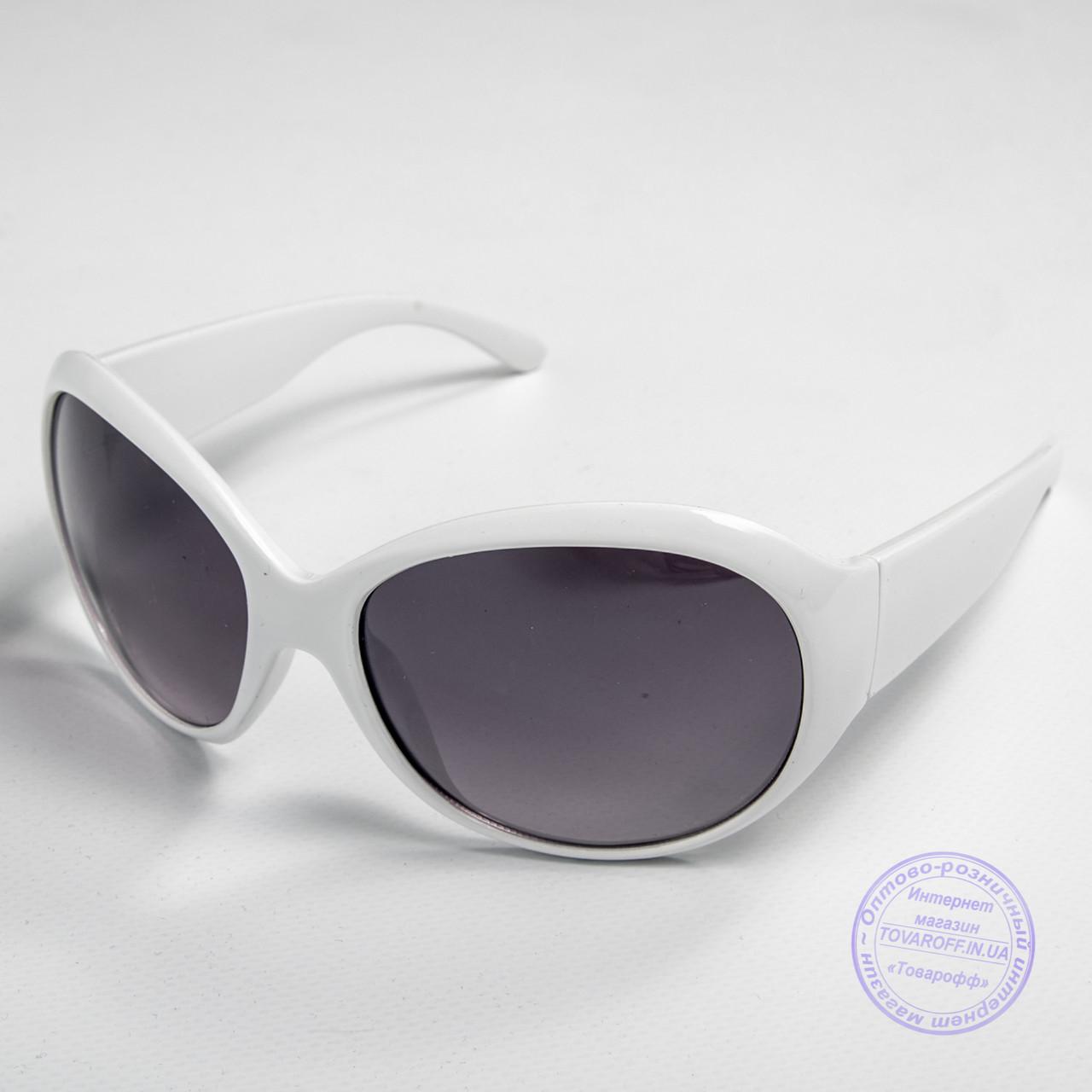 Розпродаж жіночих сонячних окулярів оптом - Білі - D76