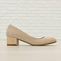 Туфли из натуральной кожи на широком каблуке молочный