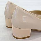 Бежевые туфли на низком каблуке женские Woman's heel лакированные кожаные молочные, фото 6