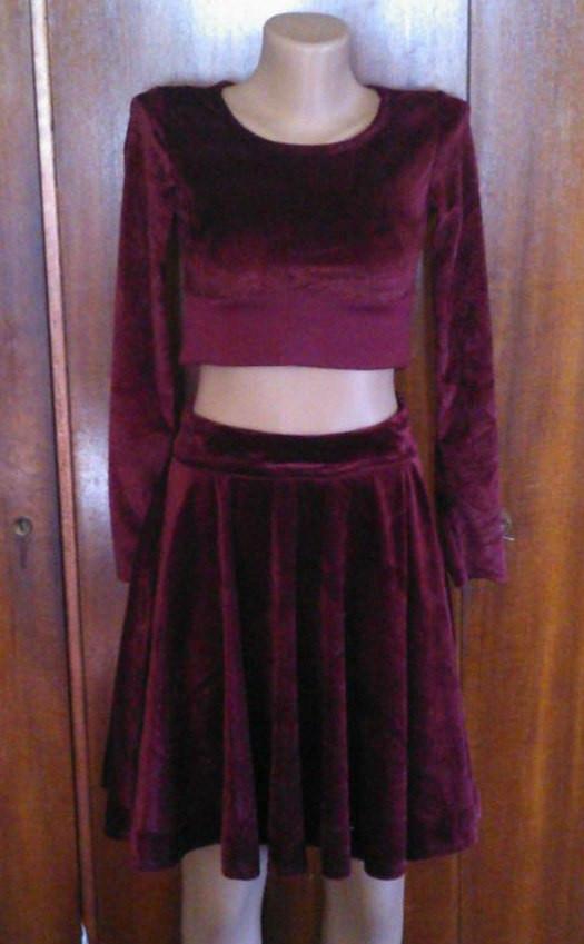 Подростковый  велюровый костюм (юбка и топ)