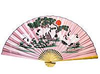 Большой настенный веер 8 журавлей на розовом фоне