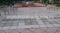 Строительство общественных лестниц из цельных гранитных ступеней