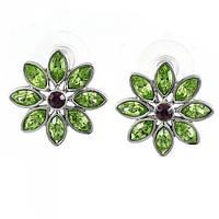 Нежные серьги Сваровски с зелеными камнями