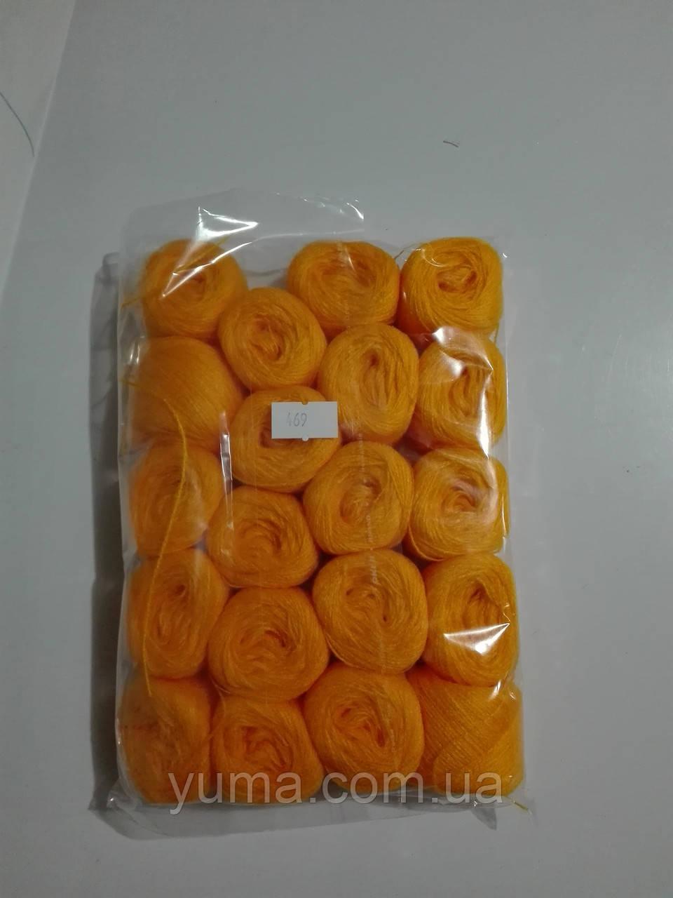 Нитки акриловые для вышивания по 5 грамм 20 клубков в упаковке вес упаковки 100 грамм. В одном клубке около 80