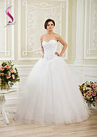 Свадебное платье с камнями и кружевом