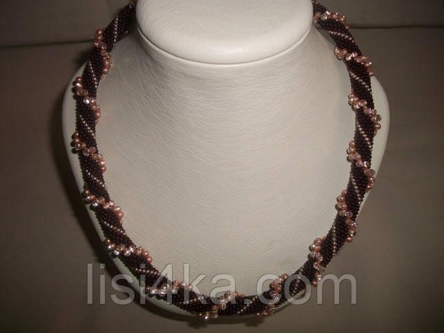 Вязаный жгут из бисера и объемных бусин темно-коричневого цвета
