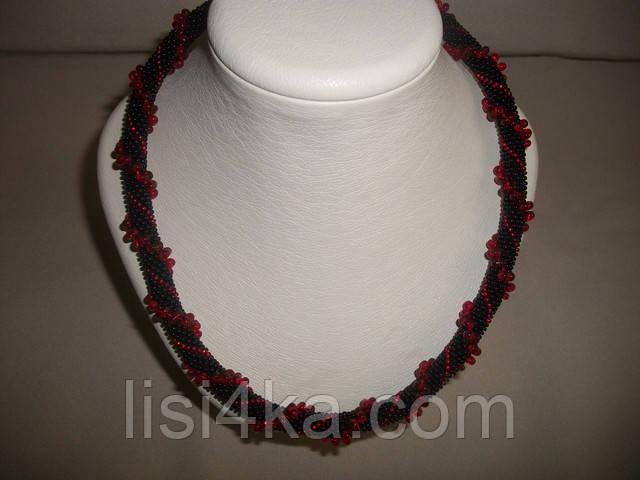 Вязаный жгут из бисера и объемных бусин черно-красный