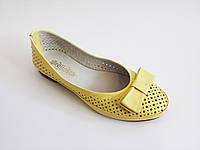 Женские кожаные желтые летние балетки на каблуке Prellesta