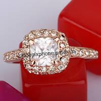 Кольцо в блестящем исполнении с кристаллами Swarovski, покрытое золотом (102350)