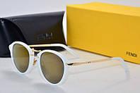 Солнцезащитные очки Fendi белые