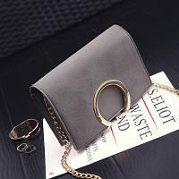 Модная женская небольшая сумка с кольцом на плечо серого цвета