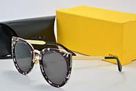 Солнцезащитные очки Fendi черные