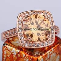 Яркое кольцо с кристаллами Swarovski, покрытое золотом (109451)