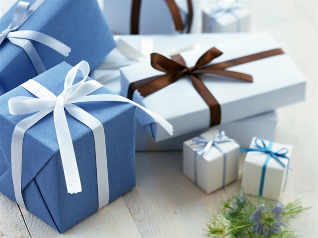 Что подарить на 23 февраля мальчикам-одноклассникам?